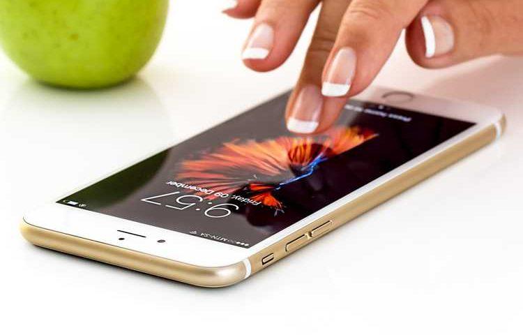 Il business della cartomanzia arriva anche alle app per smartphone e tablet