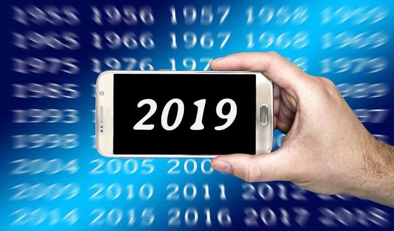 Piuttosto che rinunciare ad Internet, meglio un anno di astinenza sessuale: le priorità per il 2019